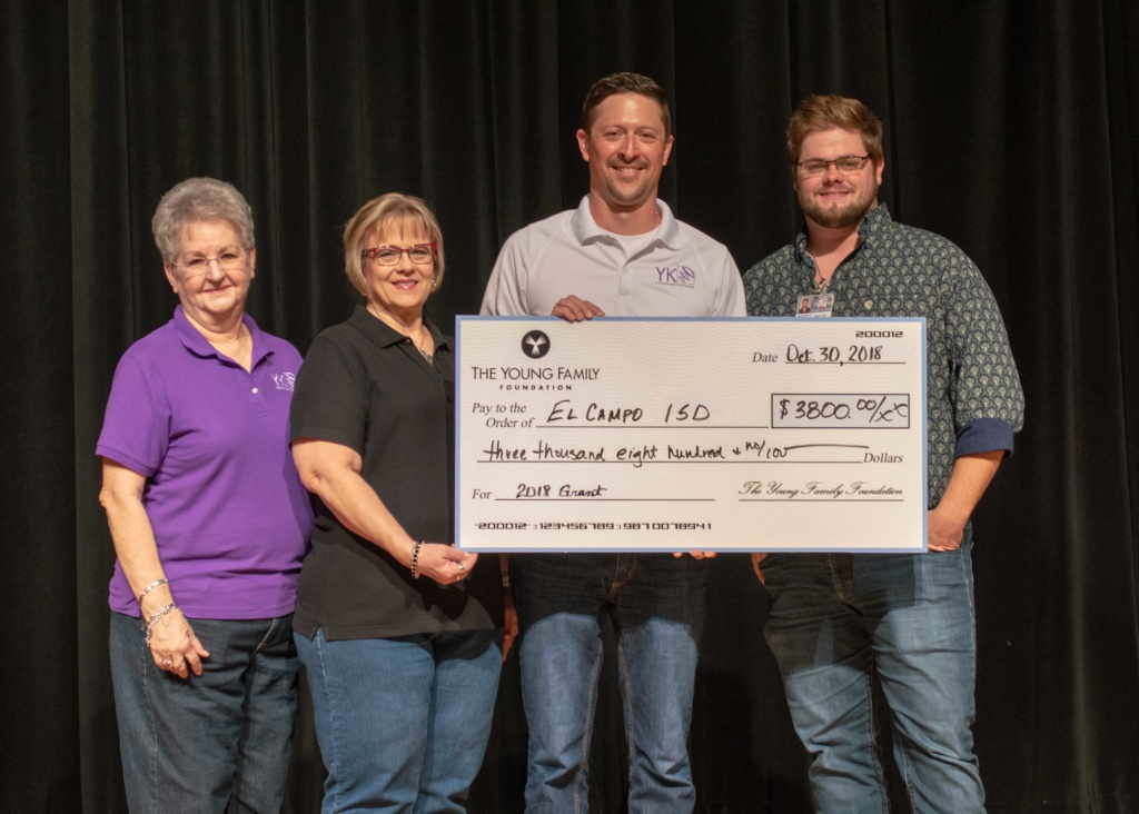 Cloud Cam video surveillance company gives back to El Campo, TX schools.